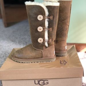 UGG Bailey Button Triplet Bomber Boot